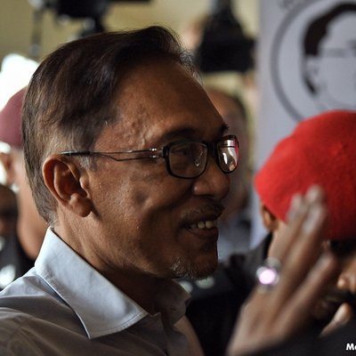 Permit Me To Defend Myself Anwar Tells Forex Rci