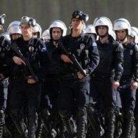 Polis Bunuh 36 Tahanan