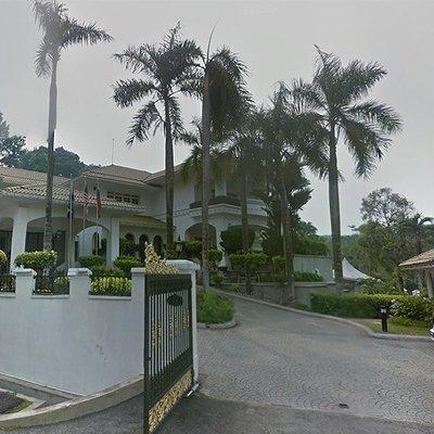 Polis Mula Kawal Kediaman Peribadi Najib