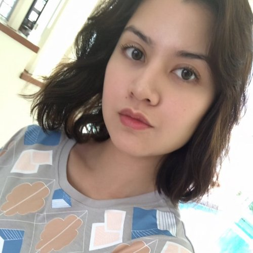 Potong Rambut Pendek Lisa Surihani Makin Lama Makin Cantik
