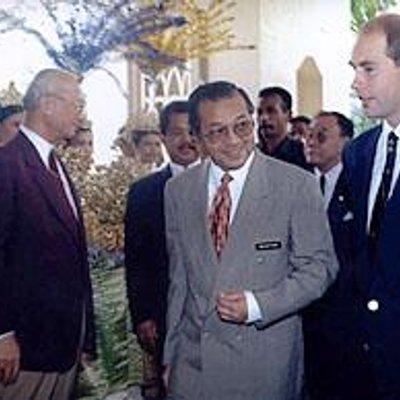 Punca Anwar Dipecat Bukti Perangai Tidak Bermoral Terlalu Kukuh Mahathir