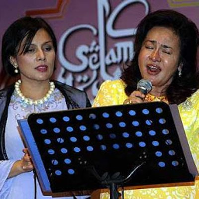 Ramai Menteri Fanatik Nyanyian Rosmah Album Laku Jutaan Ringgit