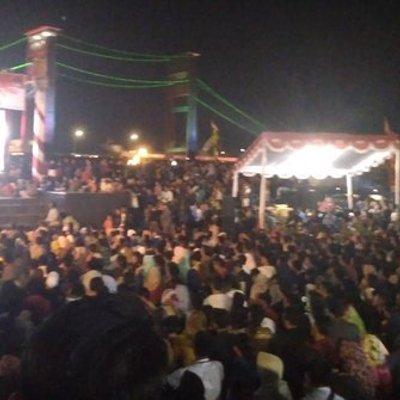 Ribuan Warga Palembang Nobar Film G30s Pki Di Bantaran Sungai Musi