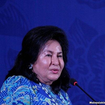Rosmah I Have No Budget But Groups Always Ask Me For Funds