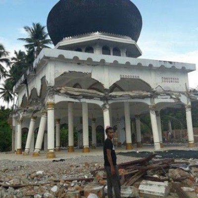 Rusak Parah Karena Gempa Masjid Di Aceh Ini Justru Tak Bisa Dirobohkan Oleh Alat Berat