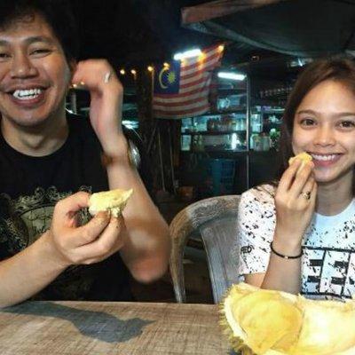 Sariyanti Mengidam Jep Sepahtu Bawak Makan Durian