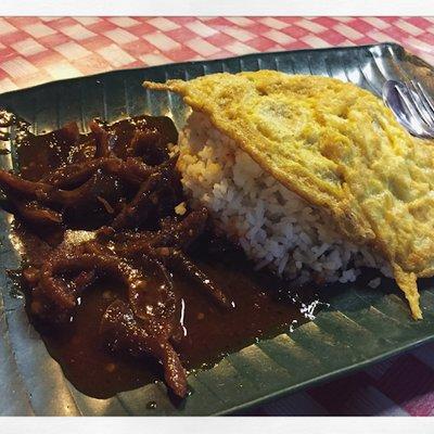 Sedap Makan Nasi Lemak Dan Lontong Sate Di After Isyak Dinner Batu Pahat