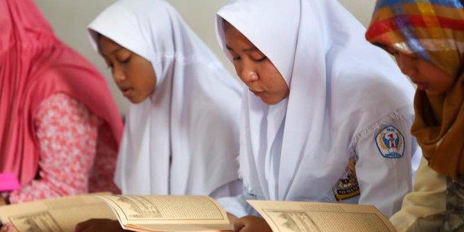 Selama Ramadan Pelajar Purwakarta Libur Fokus Ngaji Kitab Kuning