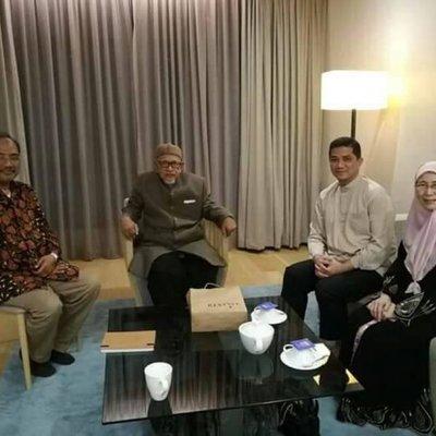 Selepas Najib Puji Pas Hadi Kongsi Gambar Bersama Pemimpin Pkr