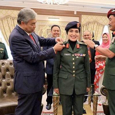Setiausaha Akhbar Tpm Dinaikkan Pangkat Sebagai Mejar Jeneral