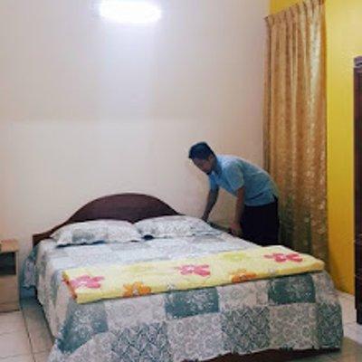 Suami Ku Seorang Cleaner Homestay On Duty