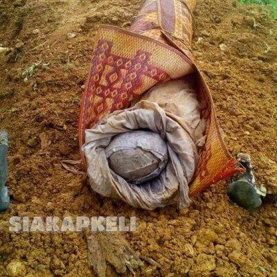 Sudah 6 Tahun Dikebumikan Mayat Ditemui Oleh Penggali Kubur Seperti Masih Baru