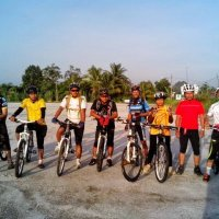 Tayar Basikal Kami Berputar Di Bukit Orkid