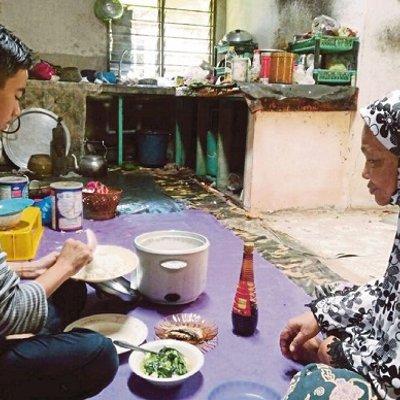 Tekad Jaga Nenek Buta Sampai Tercicir Pelajaran Jpn Sedia Pujuk Seorang Pelajar Untuk Kembali Ke Sekolah