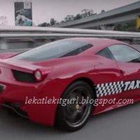 Terkejut Tengok Teksi Ferrari Kat Malaysia
