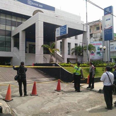 Teror Bom Di Bri Garut 34 Kantor Bank Bri Ditutup
