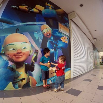 Teruja Dengan Mural 3d Upin Ipin Di Luar Pejabat Les Copaque