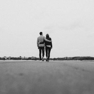 Teruntuk Pejuang Hubungan Jarak Jauh 10 Lagu Ini Bisa Mewakili Rindumu