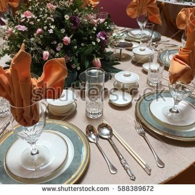 The Arts Of Table Place Setting With A Fine Decoration