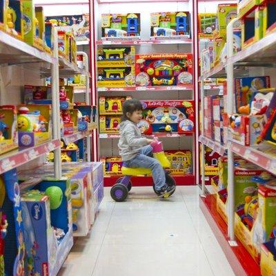 Tiap Kali Keluar Nak Beli Mainan Ini Sebab Ibu Bapa Jangan Terlalu Ikutkan Kemahuan Anak