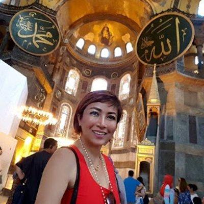 Tiara Jacquelina Dikecam Pakai Singlet Dalam Masjid Kemudian Apa Yang Berlaku Membuatkan Ramai Buka Mata