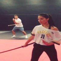 Video Olivia Munn Sword Fighting Skills