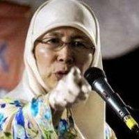 Wan Azizah Pun Tak Mampu Nak Selesaikan Masalah