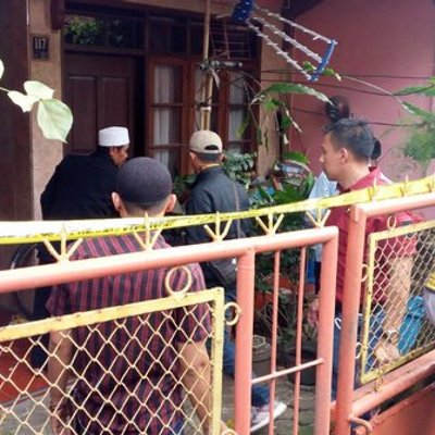 Warga Sering Cium Bau Busuk Dari Dalam Rumah Simpan Mayat Di Cimahi