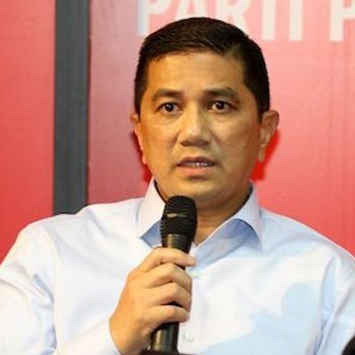 With Pas Snub Azmin Now Exposed On All Fronts